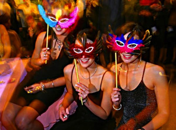 themed bachelorette ideas masquerade
