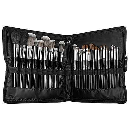 Sephora Collection Easel Brush Set with 27 professional-grade makeup brushes! This set has amazing 5-star reviews and makes a great holiday gift idea for her. Click to see even more holiday gift ideas for her and great beauty ideas.