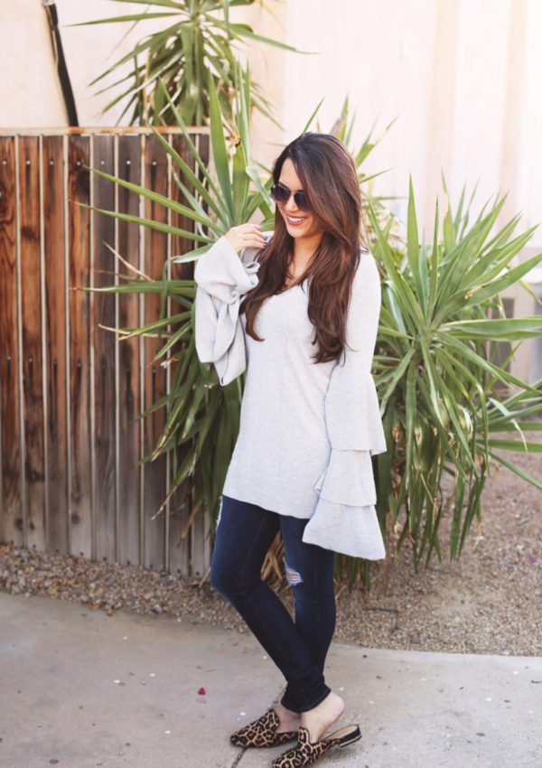Stylish Thanksgiving outfit ideas you can actually eat in. Check out these 5 cute and comfy Thanksgiving outfit ideas!