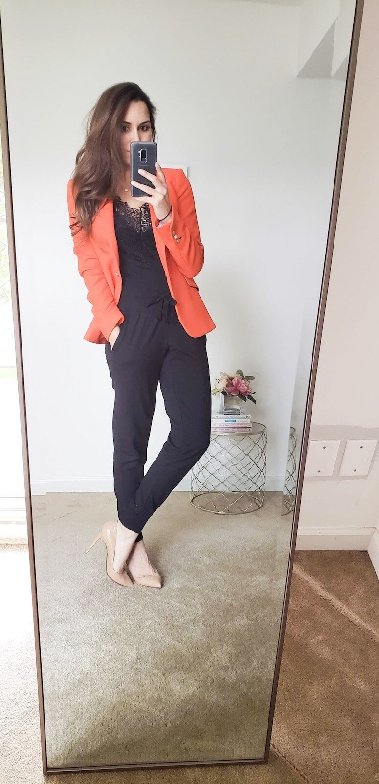how to style joggers with a blazer: 5 ways to wear jogger pants for women!