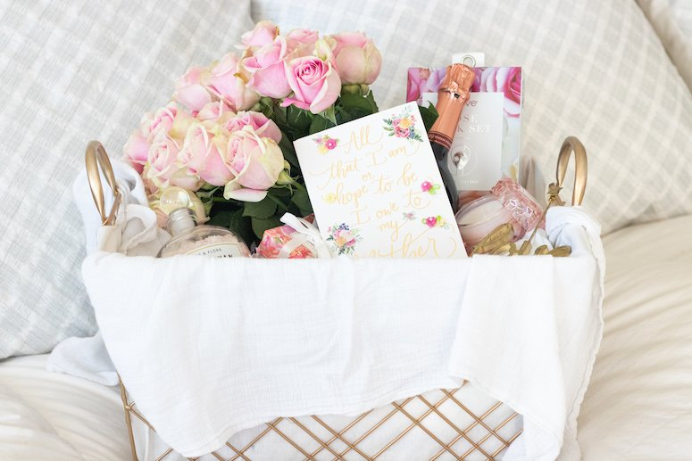beautiful Mother's Day gift basket idea