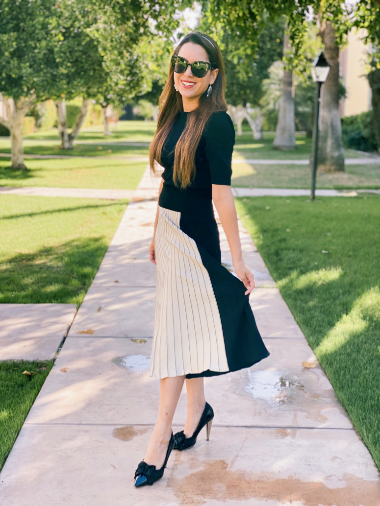 cute fall skirt outfits! Chicwish pleated knit skirt with heels