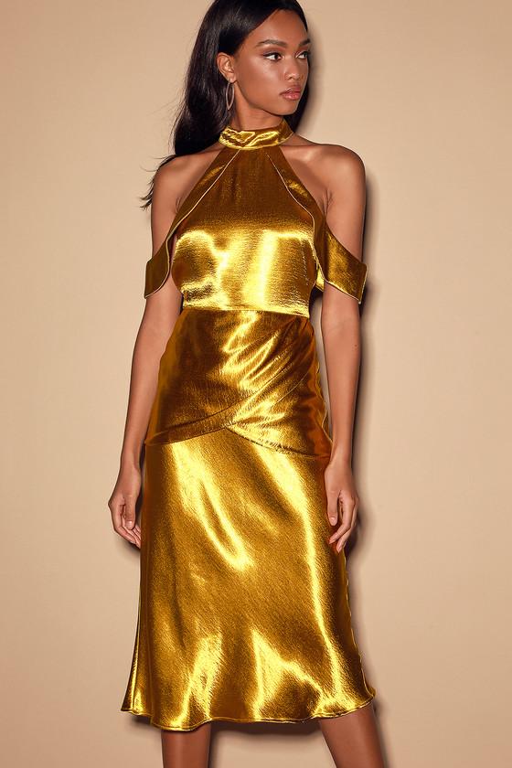 lulus gold metallic dress | nye wedding guest outfit
