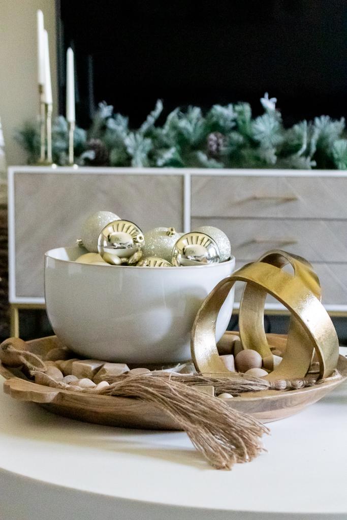 living room christmas decor coffee table