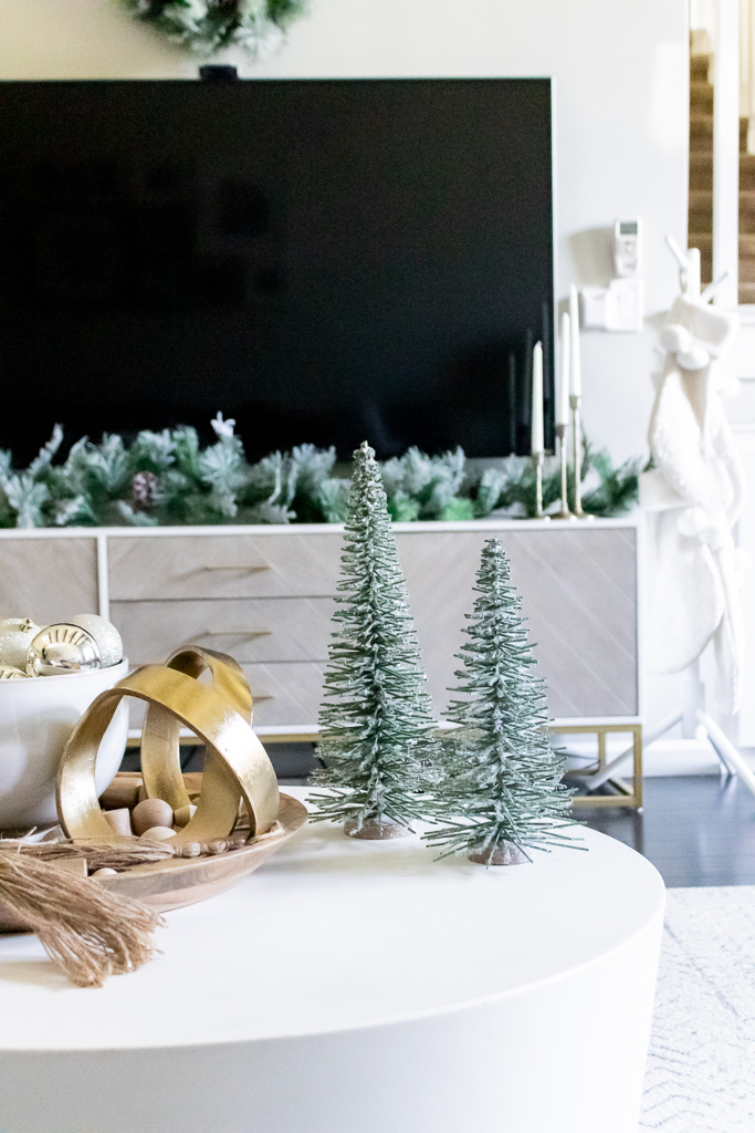 decorate living room for christmas without mantle fireplace