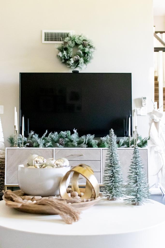 christmas living room decor no fireplace