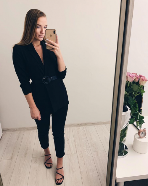 all black outfit with jeans