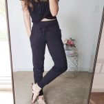 how to style joggers with a crop top